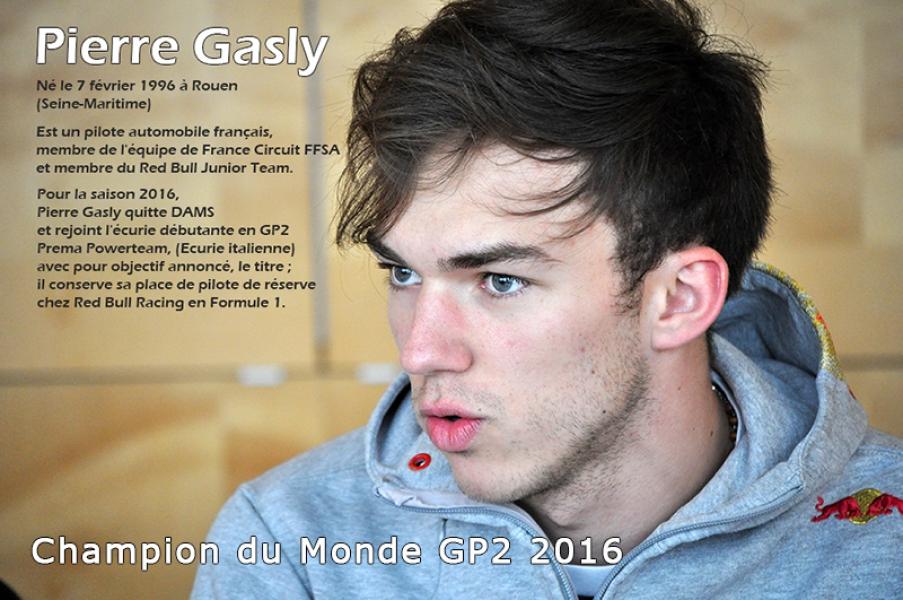 Suite à notre rencontre avec le jeune pilote automobile normand Pierre Gasly, les jeunes conseiller.e.s ont découvert les sensations du pilotage sur le.